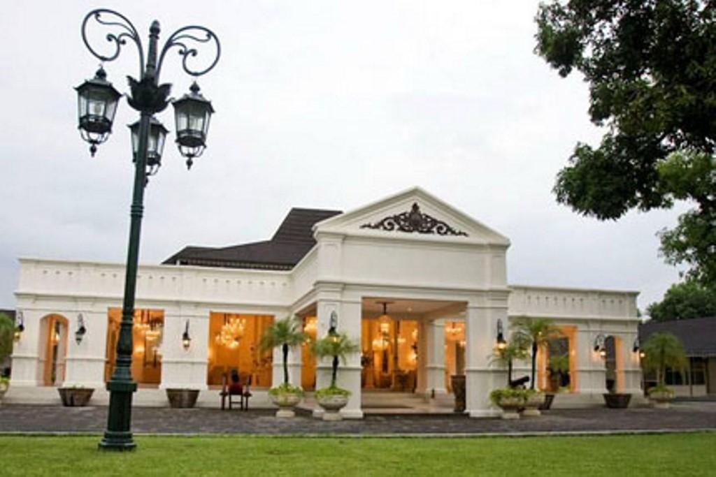 museum-of-batik-danar-hadi-1
