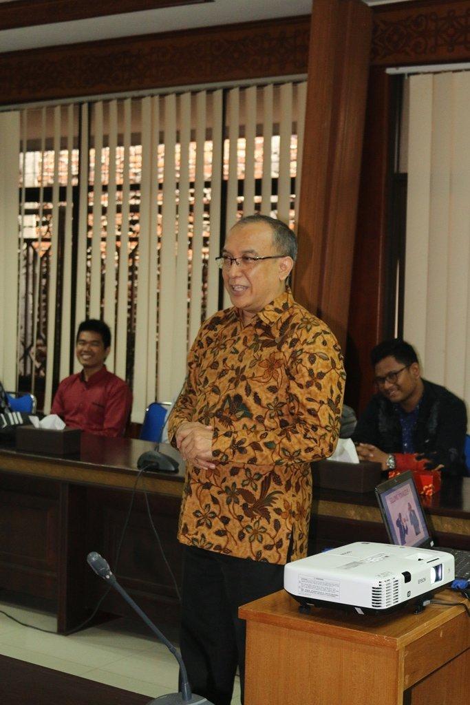 public-speaker-17