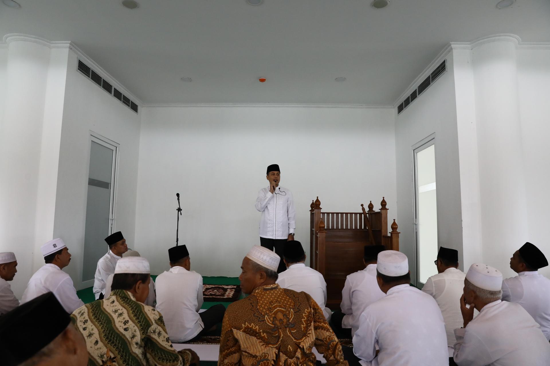 makmurkan-masjid